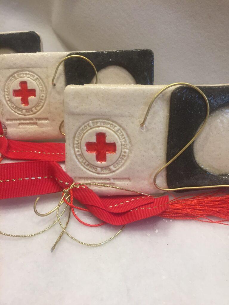 Χειροποίητο επιχειρηματικό δώρο, για τον Ερυθρό Σταυρό. Δώρα για συνεργάτες.