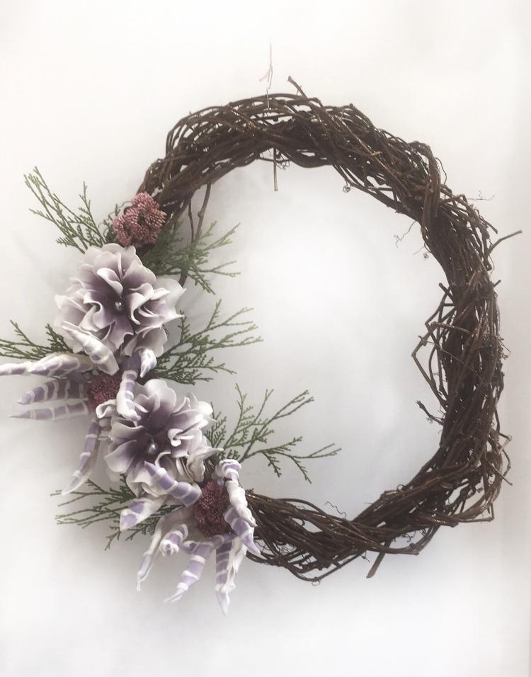 Διακοσμητικό στεφάνι με λουλούδια, Πρωτομαγιάς για την πόρτα.