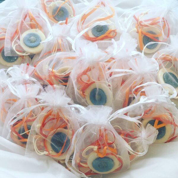 Μάτια για δώρο στους μαθητές.