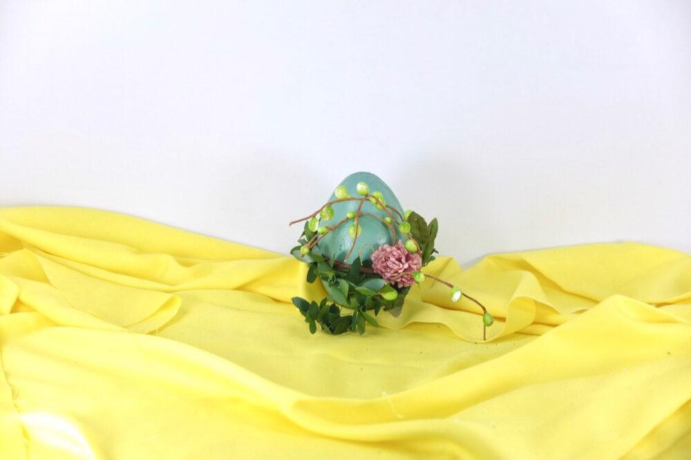 Τσιμεντένιο διακοσμητικό αυγό.